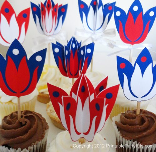 samples of patriotic cupcakes made with this template