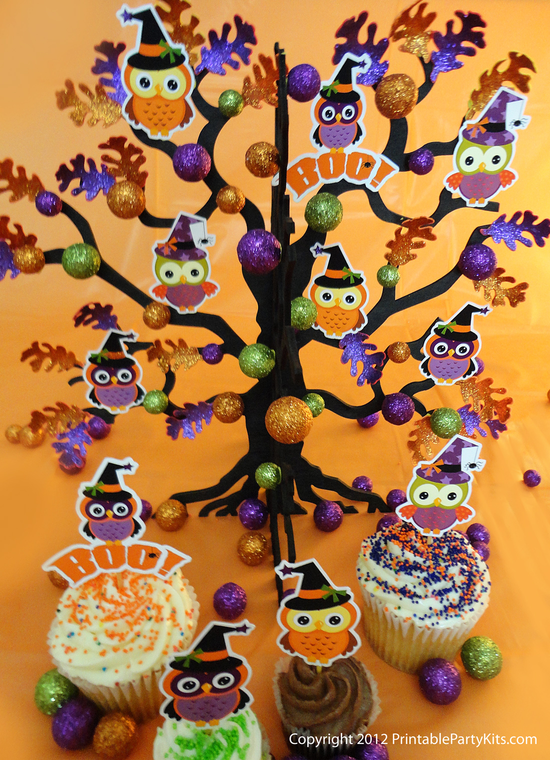 Owls and tree Halloween decoration